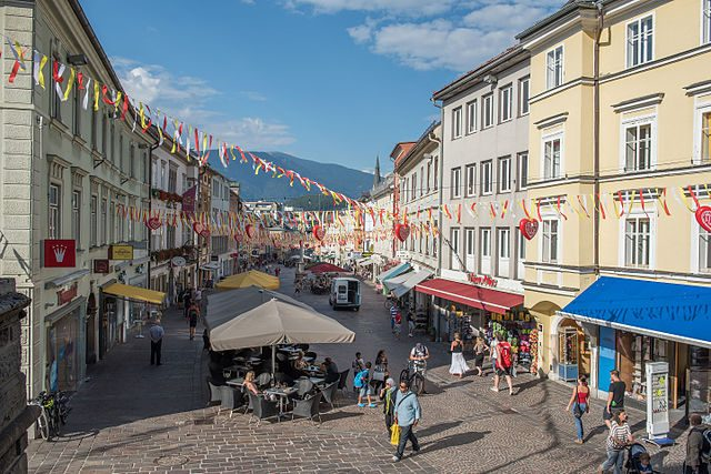 Villach, Hauptplatz – Foto Wikimedia Commons