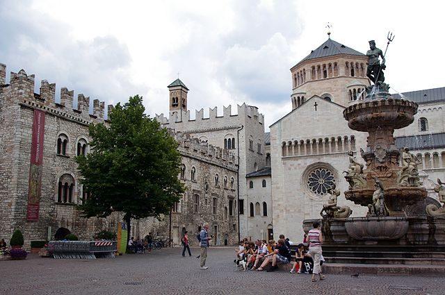 Piazza Duomo – Foto Wikimedia Commons