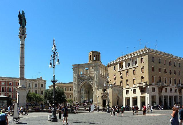 Piazza Sant'Oronzo – Foto Wikimedia Commons