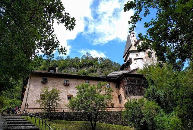Santuario di San Romedio – Foto Wikipedia