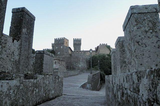 Castello di Torre Alfina – Foto Wikimedia Commons