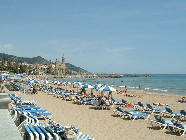 Sitges mare e divertimento a pochi passi da barcellona for Vacanze a barcellona mare