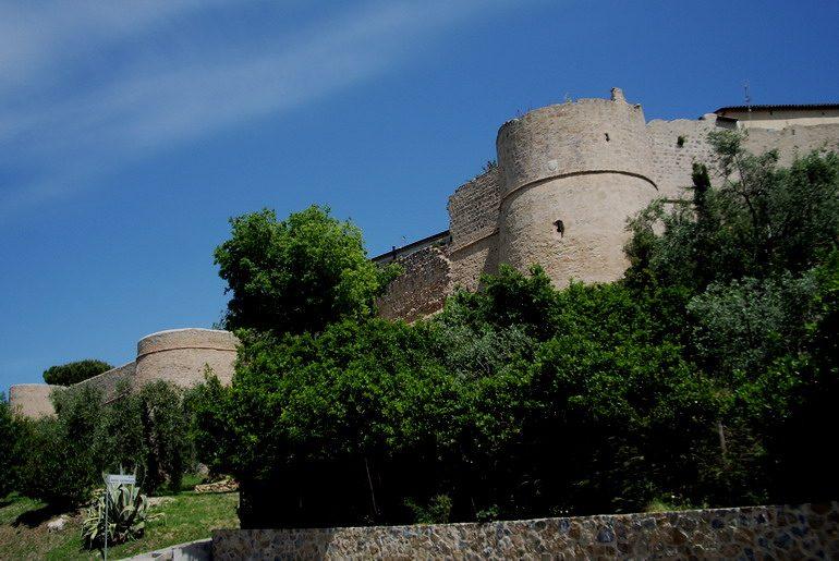 Mura di Magliano in Toscana – Foto Wikipedia