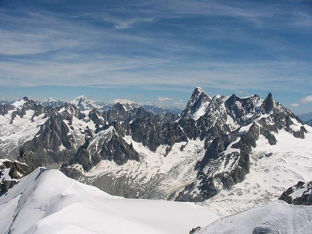 Le Alpi francesi che sovrastano Chamonix – Foto Wikipedia