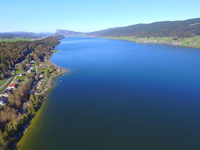 Veduta aerea del Lago di Joux – Foto Wikimedia Commons