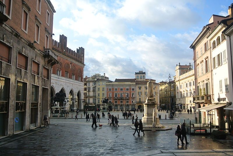 Piazza dei Cavalli, Piacenza