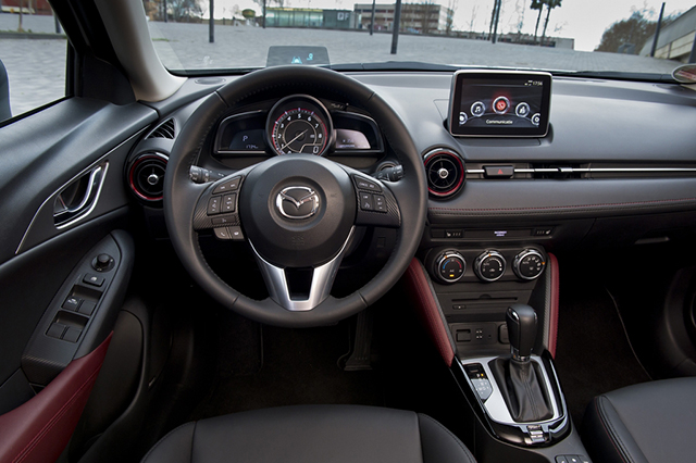 mazda cx 3 arriva in europa il suv compatto. Black Bedroom Furniture Sets. Home Design Ideas