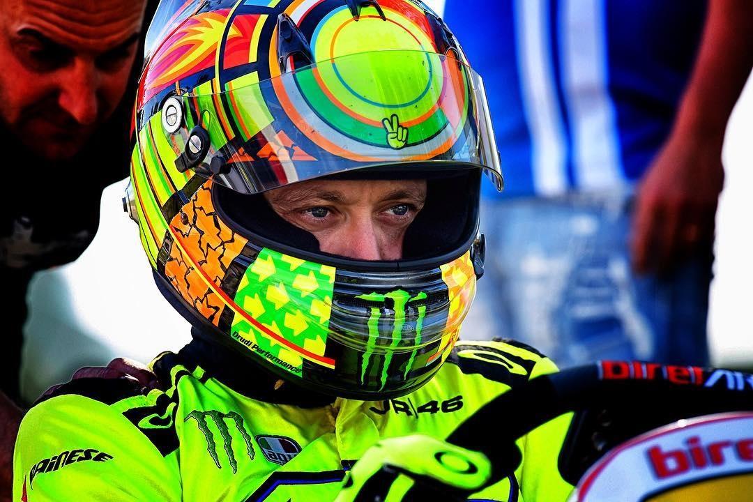 Jet Privato Valentino Rossi : Valentino rossi fino a lì bellissimo lo stesso e si