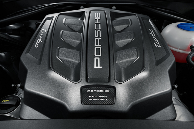 Porsche Macan Turbo Performance Engine