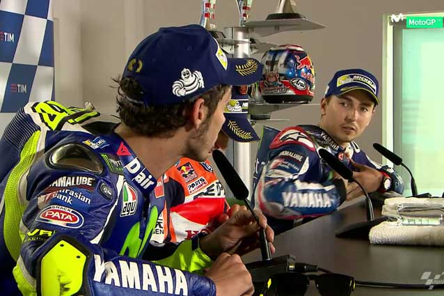 Battibecco tra Valentino Rossi e Jorge Lorenzo in conferenza stampa / Movistar Tv