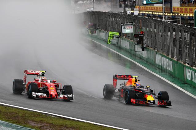 Max Verstappen supera Kimi Raikkonen – Getty Images