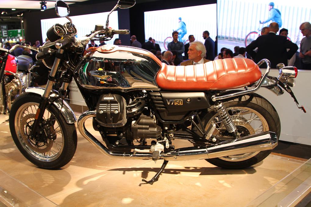 Moto Guzzi V7 alla terza serie ad EICMA un mito