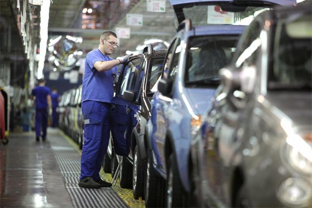 Mercato auto,- 4,6% ad aprile. Fca in calo anche negli Stati Uniti, bene Alfa Romeo