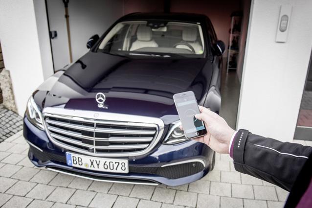 Auto in divieto di sosta, nel Regno Unito la multa si fa con il cellulare