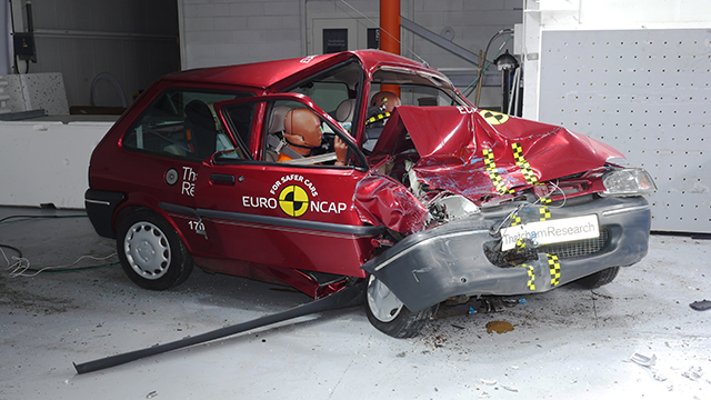 Rover 100 Crash Test