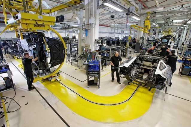 Lamborghini, previste 200 assunzioni per la produzione del suv Urus