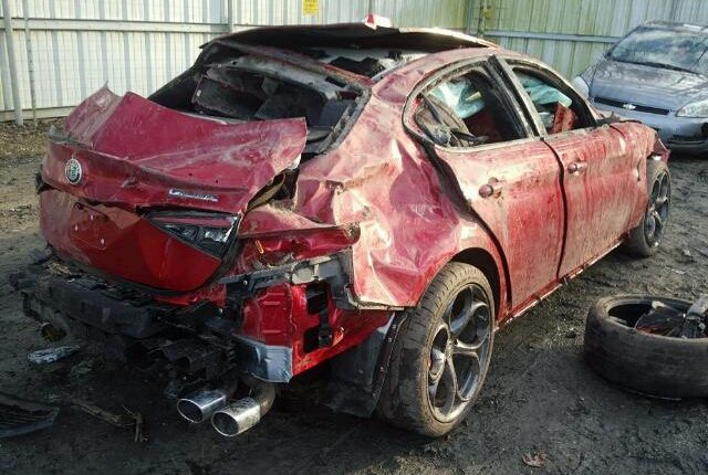 Alfa Romeo Giulia Quadrifoglio Distrutta