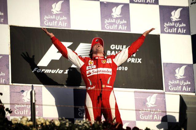 Fernando Alonso esulta dopo la vittoria del 2010 con la Ferrari – Getty Images
