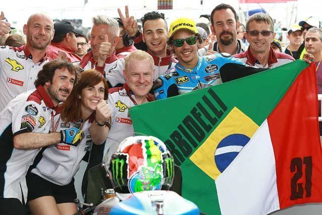 Franco Morbidelli festeggia co il team Marc VDS la vittoria in Argentina / Marc Vds racing team