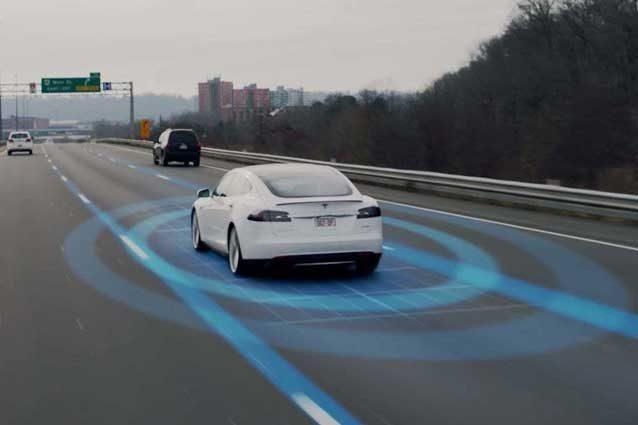 'Foglio rosa' anche per le auto a guida autonoma
