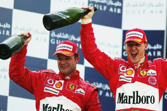 Michael Schumacher festeggia insieme a Barrichello – Getty Images