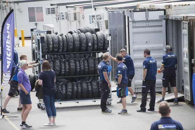 MotoGP, Michelin ad Austin con posteriori asimmetriche. Mistero sull'anteriore pro Rossi
