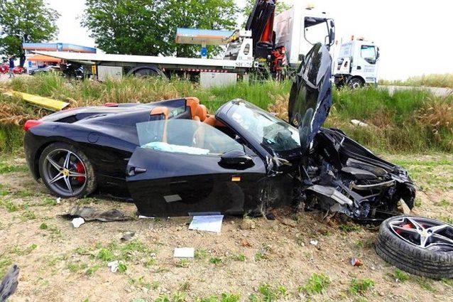 La Ferrari 459 coinvolta nell'incidente – Foto IlRestodelCarlino.it