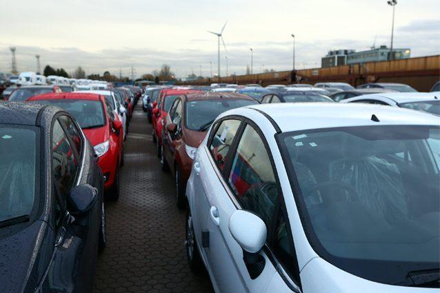 Mercato auto Europa in calo del 6,8%, Fca limita i danni e vede salire la propria quota