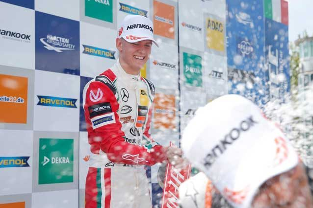 Mick Schumacher sul podio di Monza / Autodromo di Monza