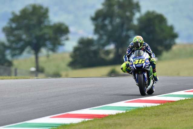 MotoGp, Spagna: Pedrosa trionfa davanti a Marquez. Rossi decimo