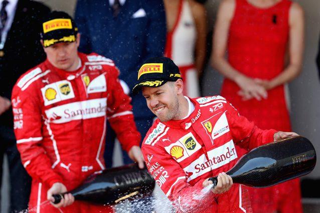 Sebastian Vettel e Kimi Raikkonen festeggiano la prima doppietta – Getty Images