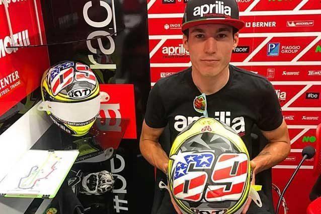 Il nuovo casco di Valentino Rossi: omaggio a Totti e Hayden Foto