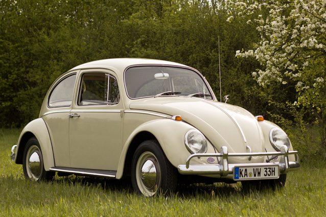 Da auto del popolo tedesco a icona del cinema, il Maggiolino Volkswagen compie 80 anni