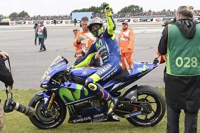 MotoGP, in Olanda Rossi torna a vincere