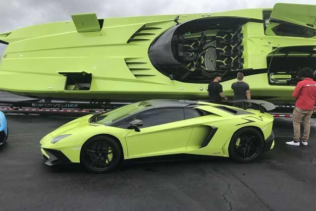 La Lamborghini Aventador SV Roadster e il motoscafo ispirato in vendita su eBay