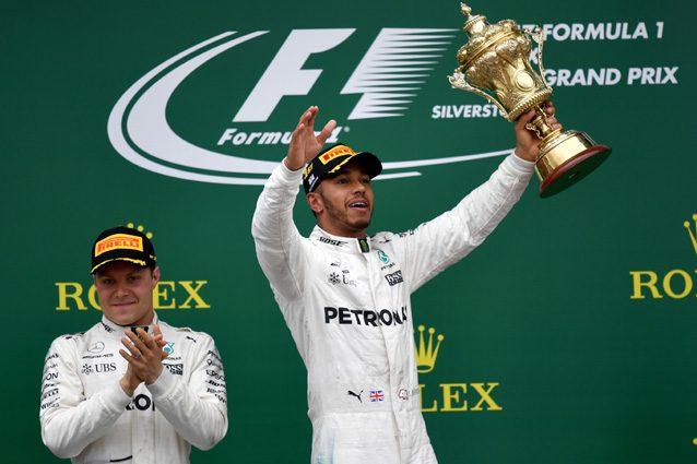Lewis Hamilton festeggia la vittoria a Silverstone – Getty Images