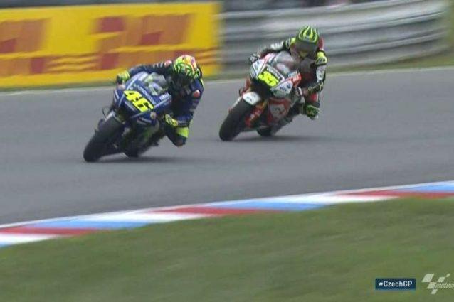 Vince Marquez, Rossi supera Crutchlow e chiude ai piedi del podio