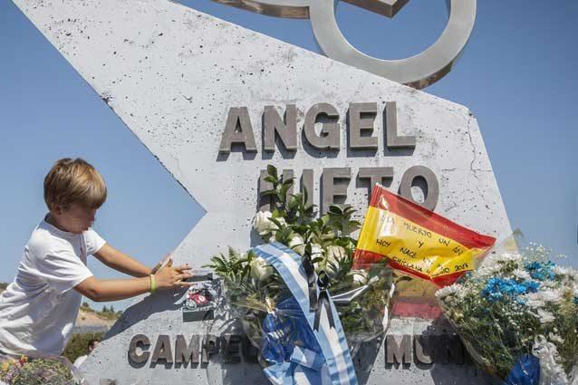 Angel Nieto cremato oggi a Ibiza. I funerali a settembre a Madrid