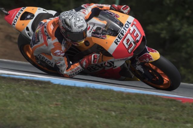 GP di Repubblica Ceca: l'azzardo di Marquez da top. Disastro dei team di Rossi e Dovizioso