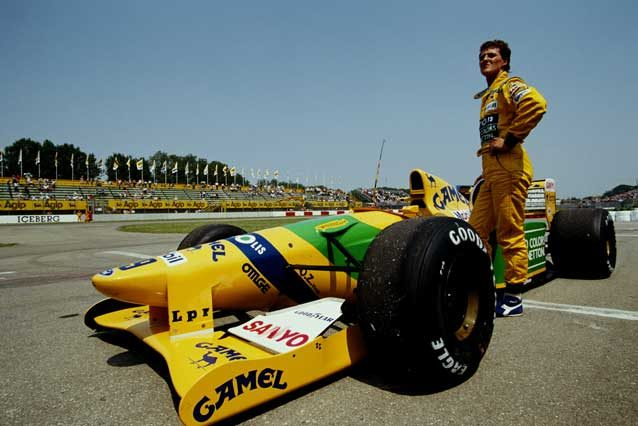 Mick Schumacher al volante della Benetton B194 di papà Michael