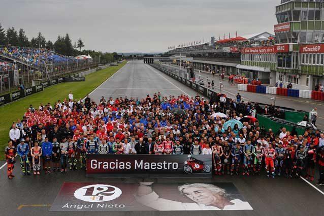 Un minuto di silenzio per Angel Nieto / MotoGP.com