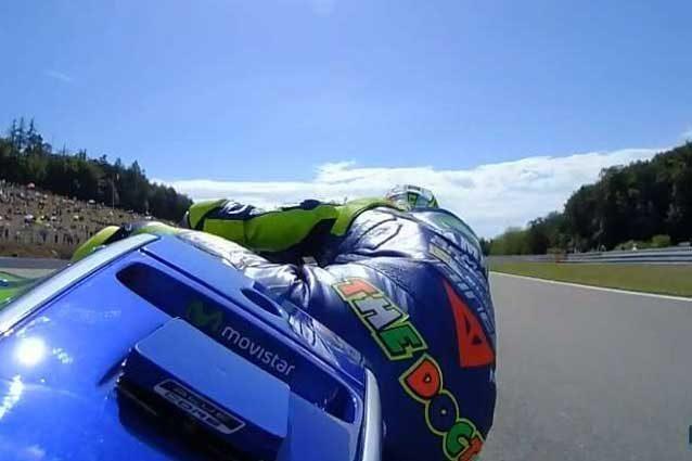 MotoGP Brno, Marquez si prende la vetta. Rossi reagisce e trova il 3° tempo