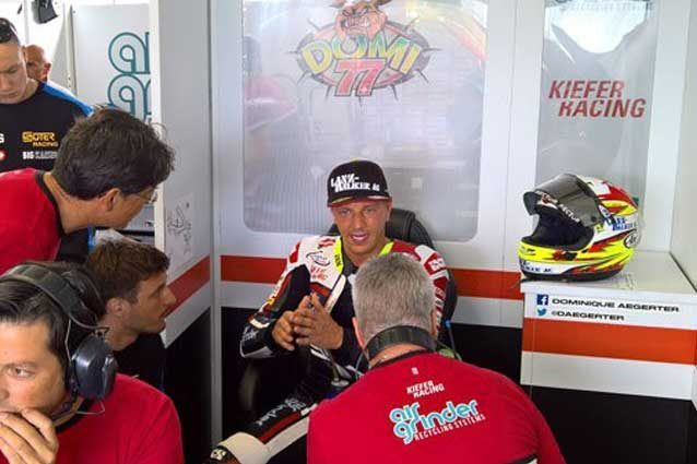 Dominique Aegerter a Misano con il suo Arai ancora al box / Kiefer Racing