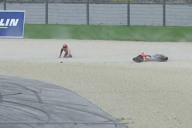 MotoGP Misano, pole di Vinales, Dovizioso in piazza d'onore. Marquez cade ma è in prima fila