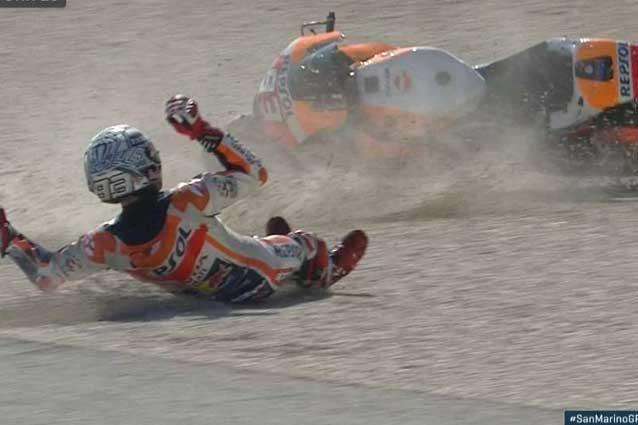 MotoGP Misano, brilla Petrucci ma è Marquez show: prima cade e poi manda Iannone a quel paese
