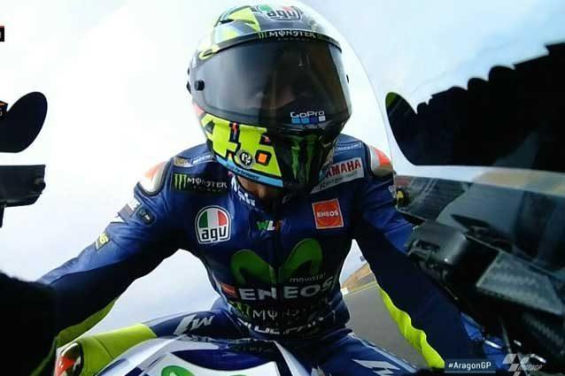 Valentino Rossi in pista durante le libere 2 del Gp di Aragon