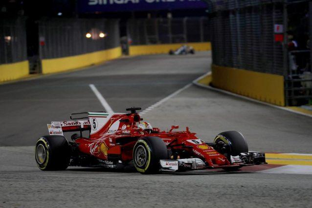 Vettel scatta dalla pole a Singapore