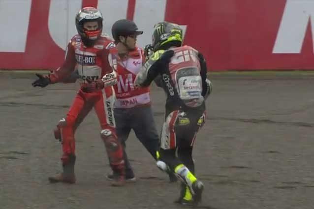 Jorge Lorenzo e Cal Crutchlow negli istanti successivi all'incidente / MotoGp.com