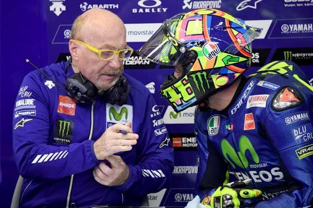 Valentino Rossi a colloquio con il capotecnico Silvano Galbusera / Getty Images