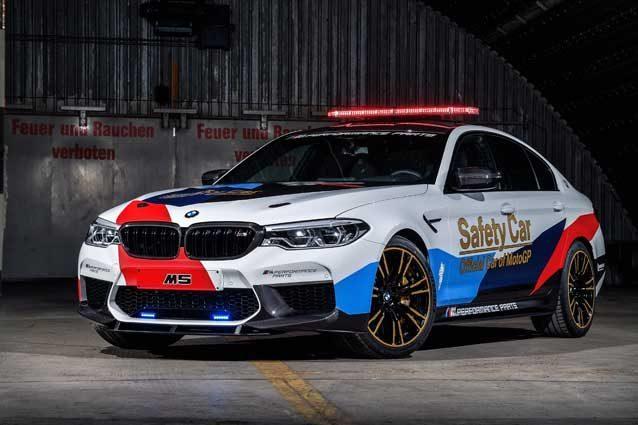 BMW rivela la nuova M5 in versione safety car per la MotoGP